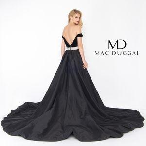 Mac Duggal